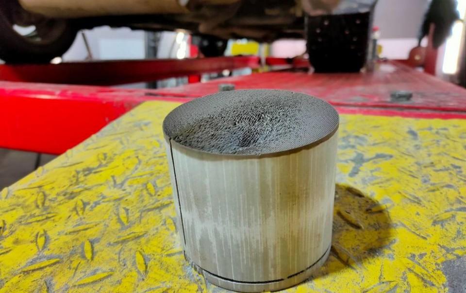 Для чего нужен КН и зачем убирают катализатор в автомобиле?