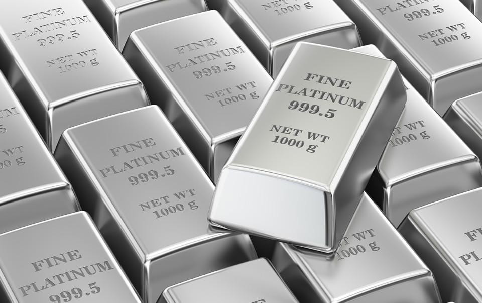 Чрезвычайно высокий спрос на платиновые слитки и монеты
