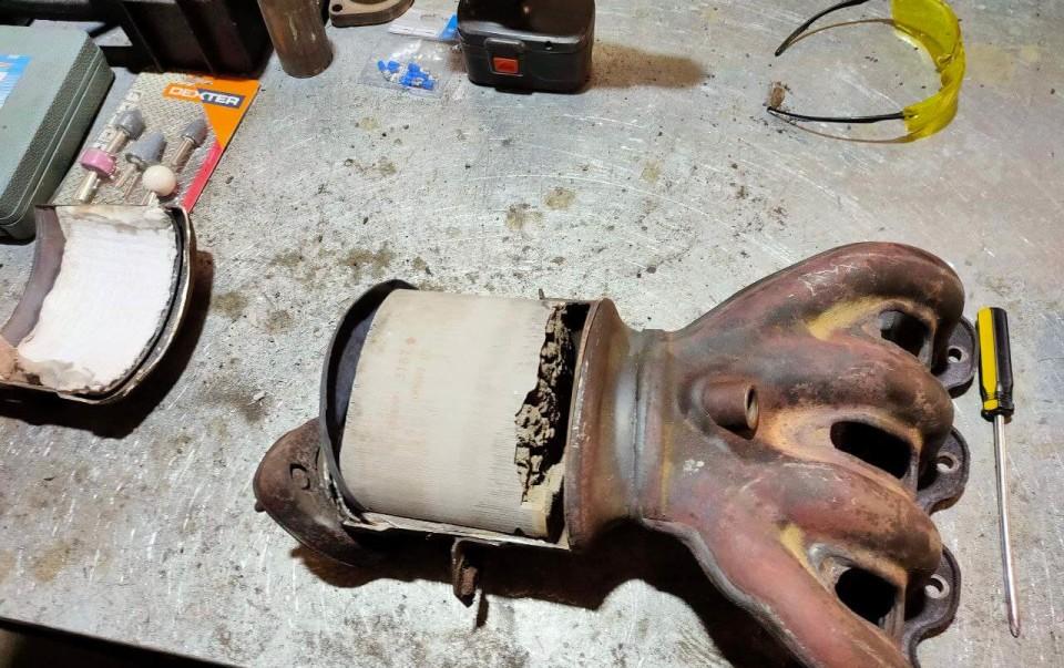 Признаки забитого катализатора выхлопных газов и его дальнейша� продажа