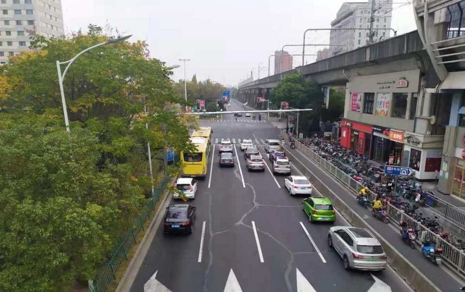 Продажи автомобилей в Китае в мае снижаются