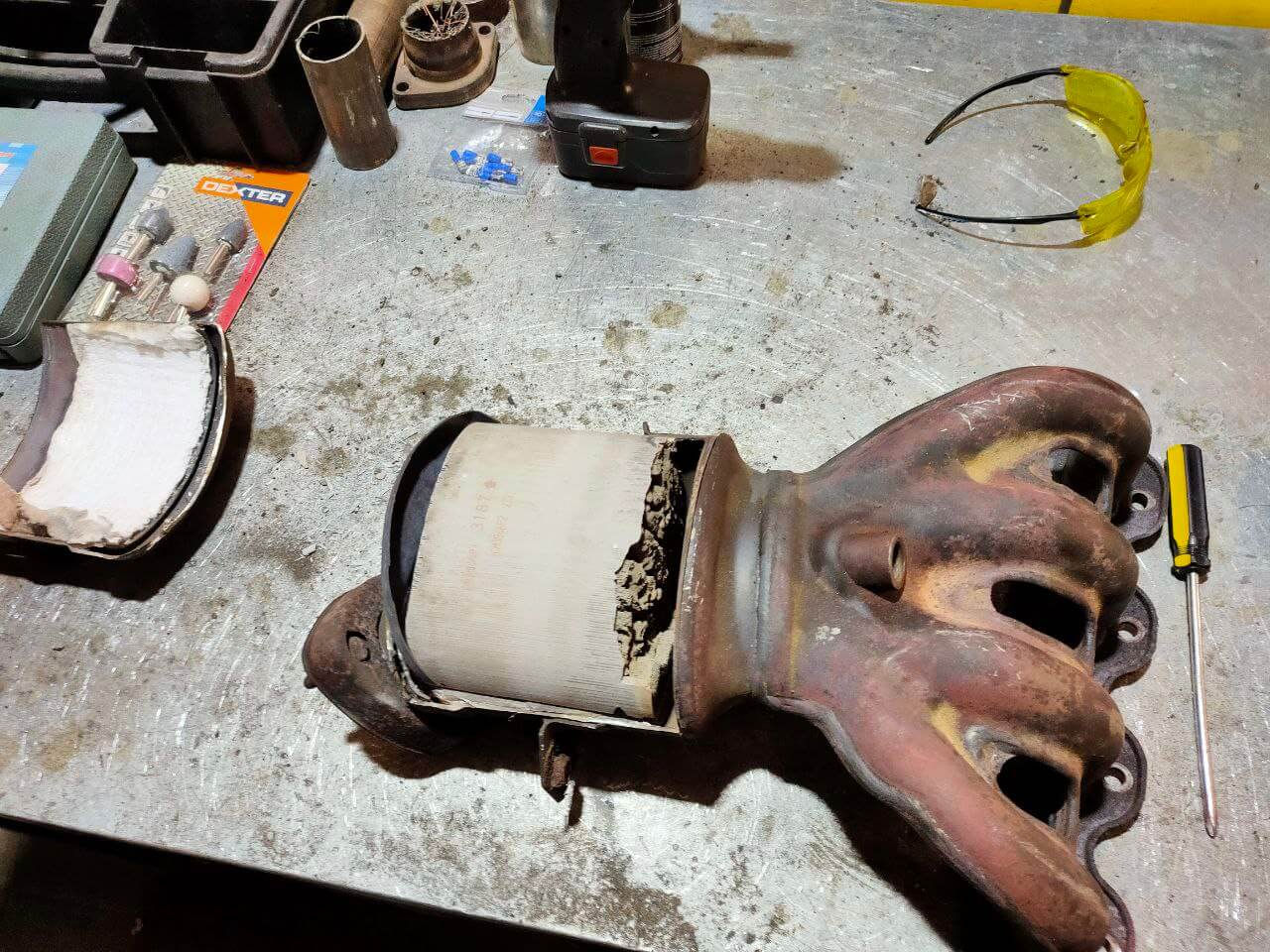 Признаки забитого катализатора выхлопных газов и его дальнейшая продажа
