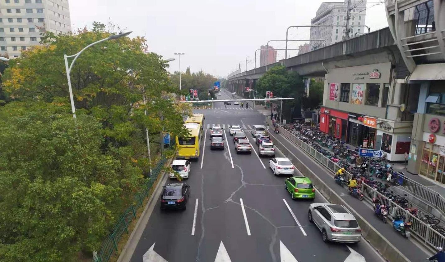 Продажи автомобилей в Китае в мае �нижают��